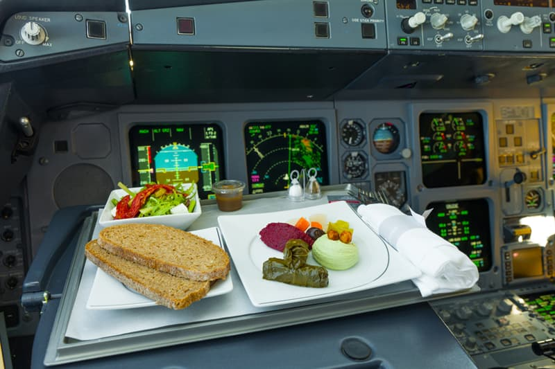 Society Story: #10 What do pilots eat during a flight and where?