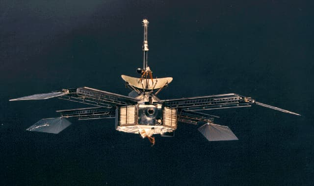 History Story: #12 The first spacecraft to successfully fly to Mars and send the pictures of the planet (Mariner 4, 1964)