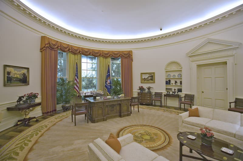 History Story: Why do so many White House rooms have an elliptical 'oval' shape?
