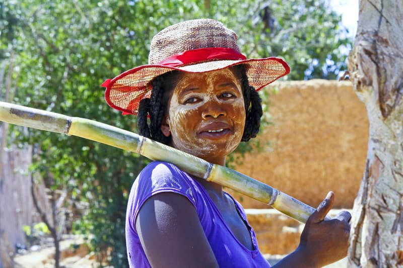Geography Story: #5 Women paint their faces