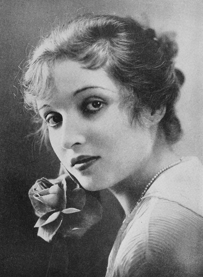 History Story: #1 Alice Joyce, an American actress popular in 1910s and 1920s