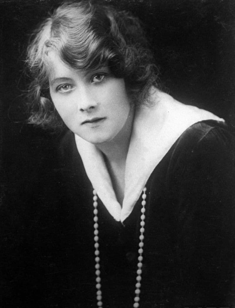 History Story: #10 Alma Taylor, a British actress, who was voted the most popular British performer in 1915, comfortably beating Charlie Chaplin into second place