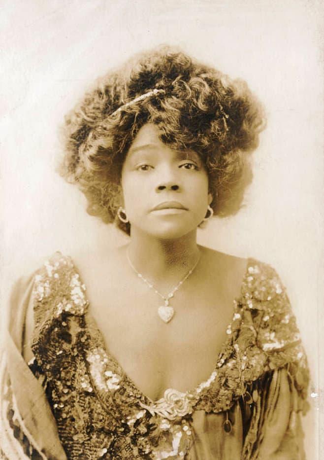 "History Story: #18 Aida Overton Walker, an African-American vaudeville performer, actress, singer, dancer, choreographer, ""The Queen of the Cakewalk"""