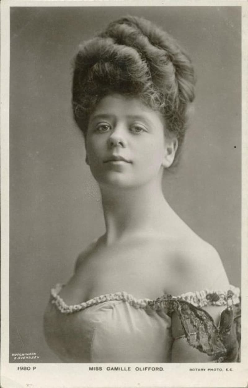"""History Story: #19 Camille Clifford, a Belgian-born stage actress and the most famous model for the """"Gibson Girl"""" illustrations"""