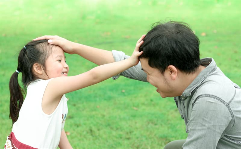 Culture Story: #3 Touching heads in Thailand