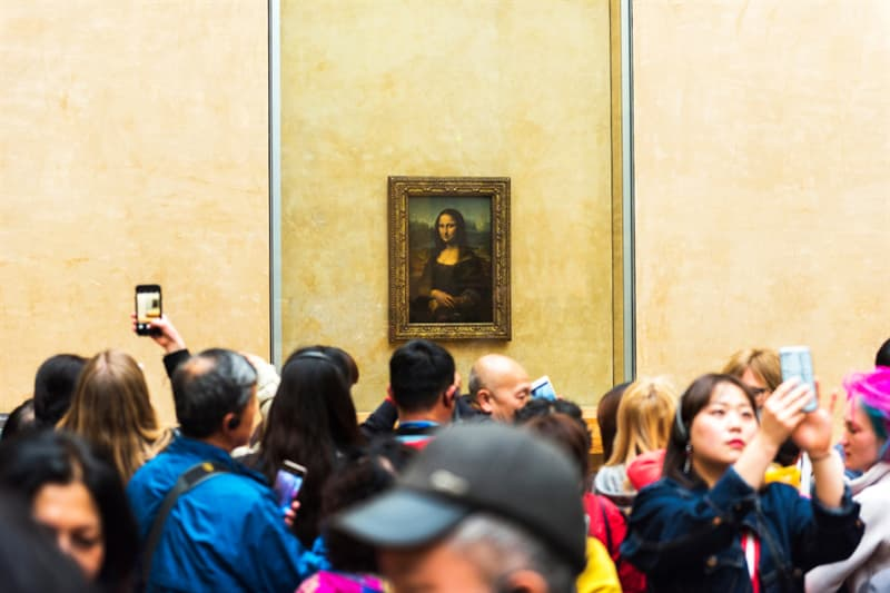funny Story: #2 When the Mona Lisa was stolen its empty frame attracted more people to the Louvre than the masterpiece itself