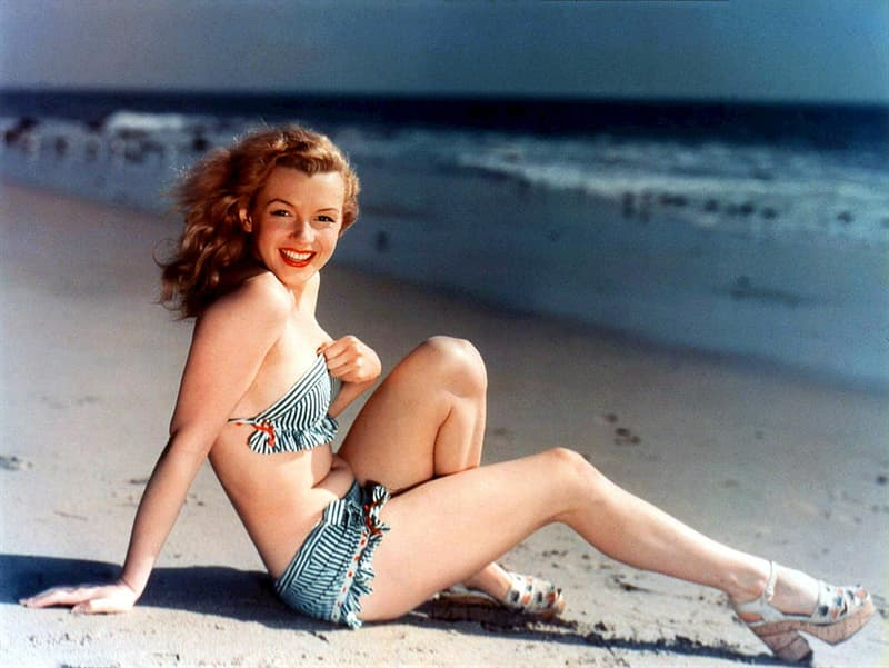 Society Story: Posing in a swimsuit (Circa 1945)