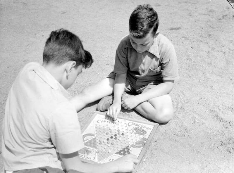History Story: #4 Do you remember the game the boys are playing?