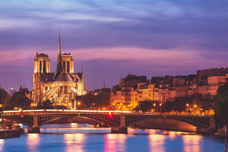 Geography Story: facts about Notre Dame Cathedral Île de la Cité