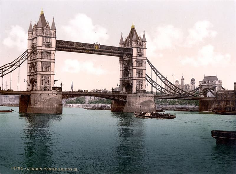 Geography Story: #5 The Tower Bridge, London, 1900