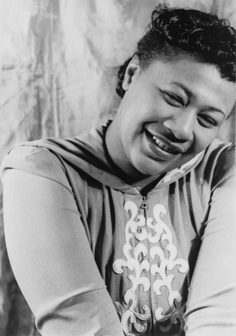 Society Story: 3. In the band that night was saxophonist Benny Carter. He was impressed by Ella's talent and began supporting her in launching the career. They became lifelong friends.
