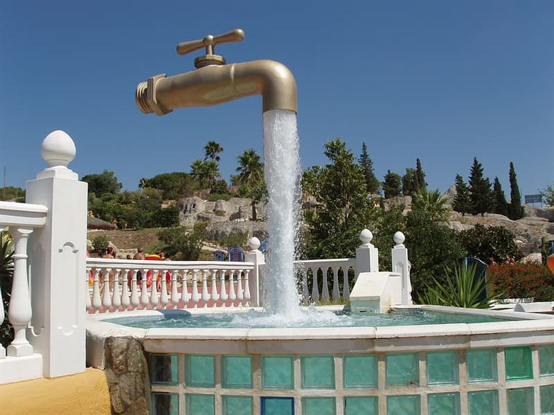 art Story: #6 Floating Faucet Fountain in Spain