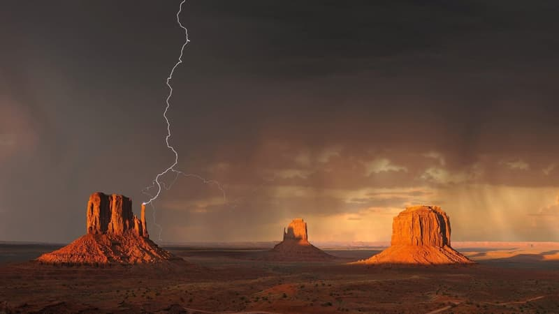 Science Story: #7 Famous saying that lightning never strikes twice is erroneous.