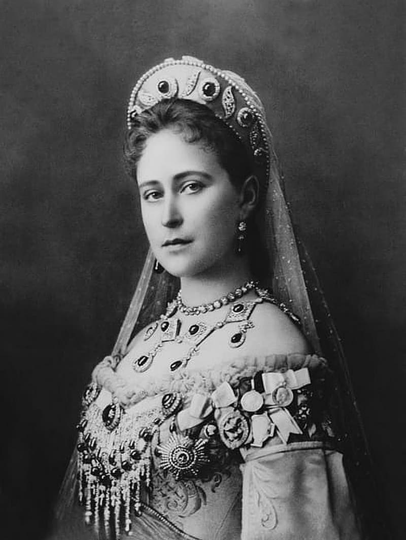 History Story: Top 10 most beautiful queens and princesses in history