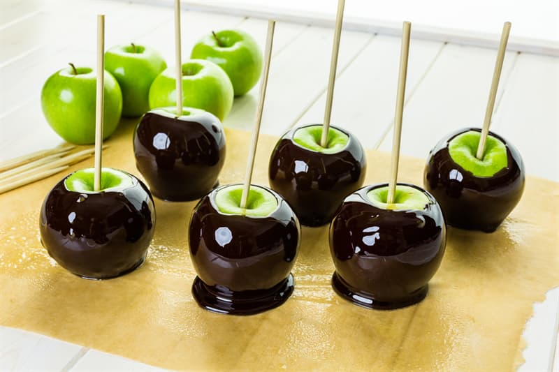"""Culture Story: #3 """"Poison"""" Candy Apples"""