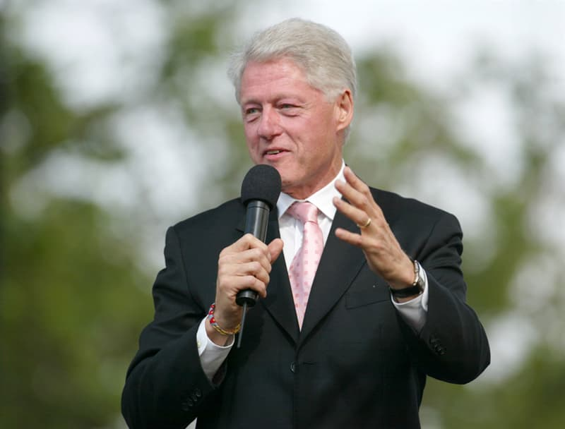 knowledge Story: #8 At the age of 13 Bill Clinton worked as a grocer.