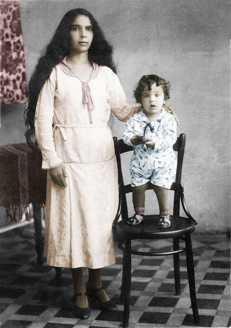 Culture Story: #8 A Venezuelan family, 1932