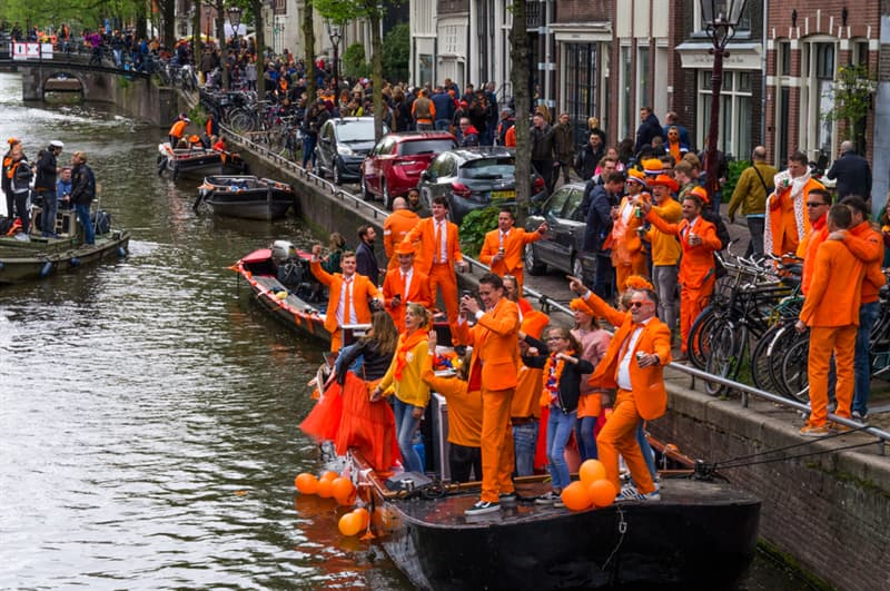 Culture Story: #6 King's Day in Amsterdam is the brightest festival