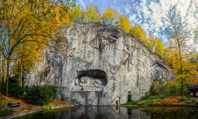 Culture Story: #4 Lion of Lucerne is carved directly into the sand stone wall