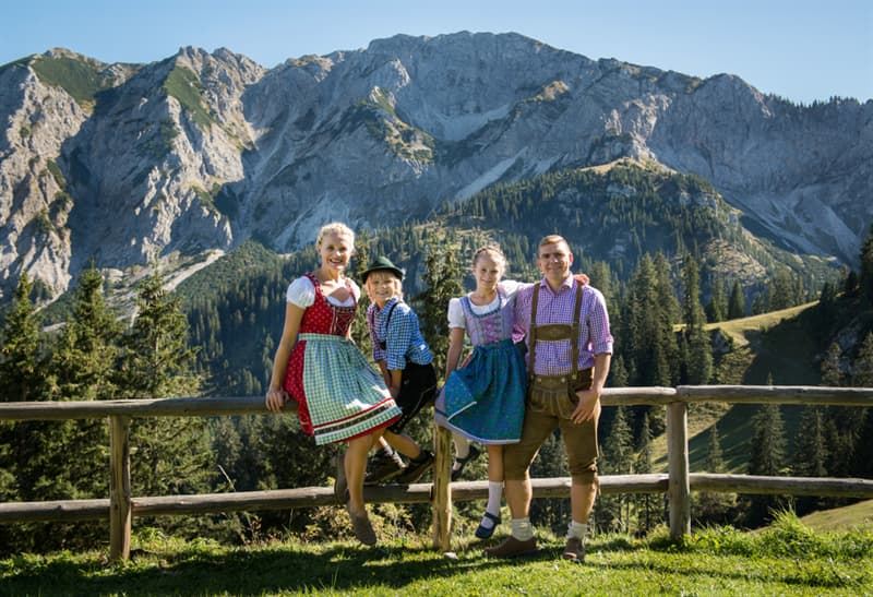 Geography Story: #4 Tracht, Southern Germany and Austria