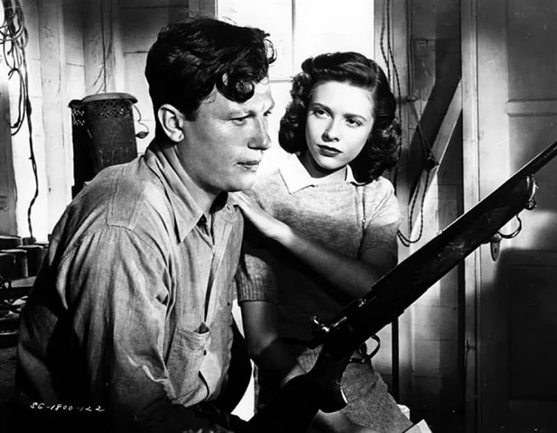 Culture Story: #10 THE FIRST ACTOR TO WIN TWO AWARDS FOR THE SAME ROLE: Harold Russell