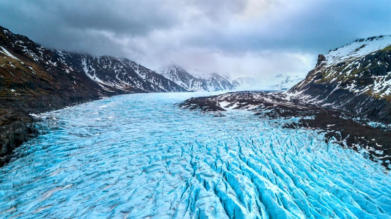 Geography Story: #2 Glaciers flow through the mountains in Iceland