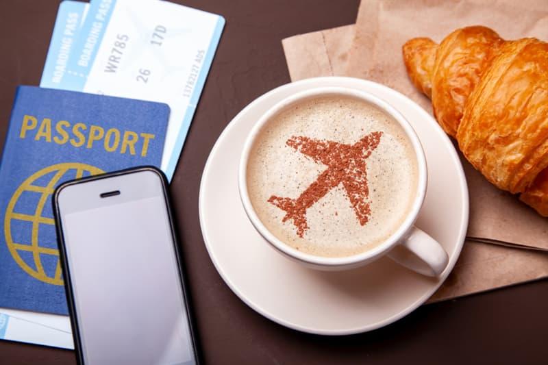 Society Story: #1 Food and drinks at the airport