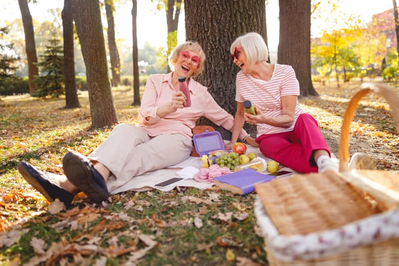 age Story: Reduce stress happiness two old women trivia free quiz personality test anti aging how to look younger look younger