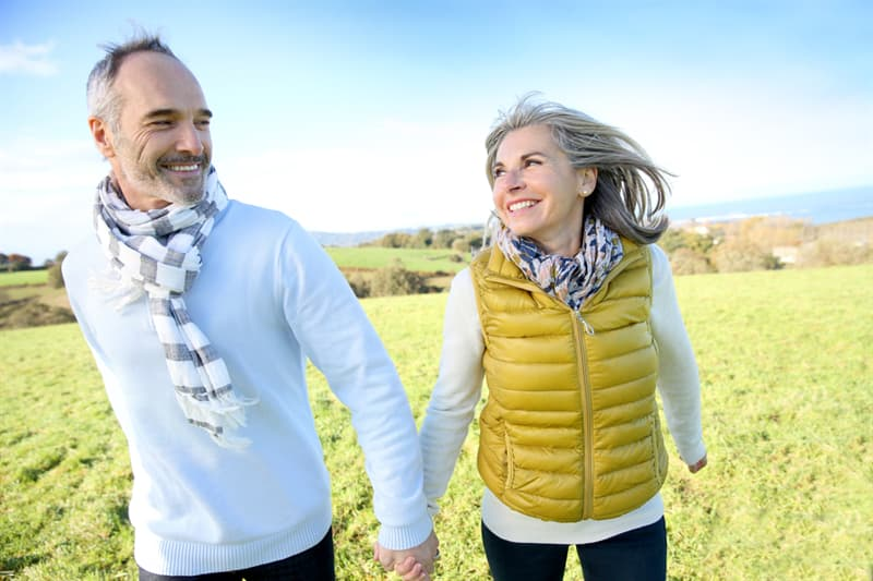 age Story: Dress for your age and body shape bright old man and woman trivia free quiz personality test anti aging how to look younger look younger