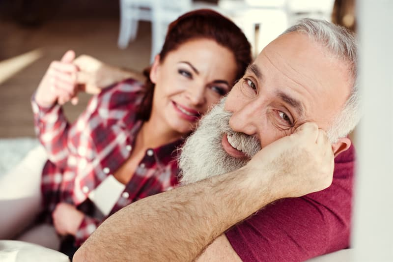 age Story: Wear bright colors beautiful old man woman happy trivia free quiz personality test anti aging how to look younger look younger