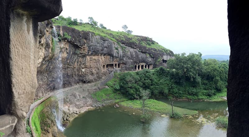 Geography Story: Ellora caves temples