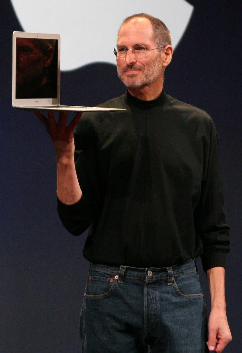 History Story: Famous illegitimate children Steve Jobs