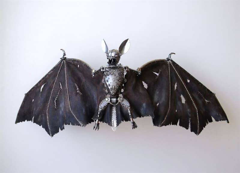 animals Story: artworks out of recycled materials - steampunk bat
