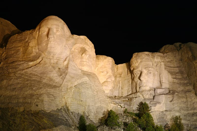 Culture Story: Illumination of the mountain at night