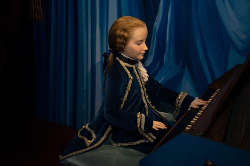 music Story: Wolfgang Mozart biography - Mozart music -Wolfgang Mozart facts