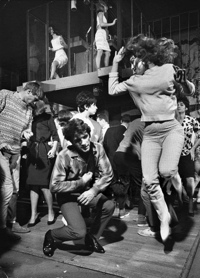 Culture Story: 1960 photos old photos old lifestyle history photo black and white aesthetic photos old vibe old school oldschool The Way We Were Dancing Watusi at Hollywood nightclub Whisky-A-Go-Go
