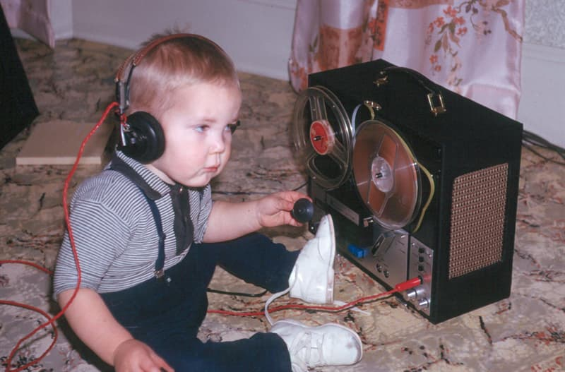 Culture Story: 1960 photos old photos old lifestyle history photo black and white aesthetic photos old vibe old school oldschool The Way We Were listening to music