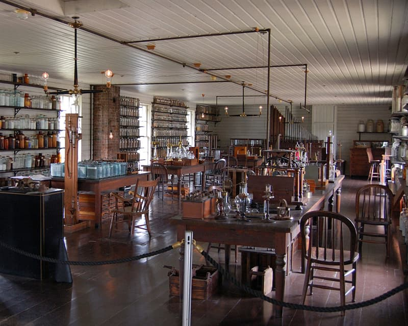Culture Story: #9 Thomas Edison had an industrial laboratory in New Jersey