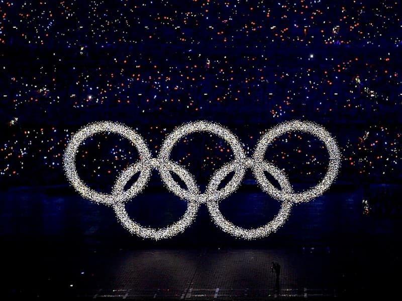 Спорт Вопрос: Какого цвета нет в олимпийских кольцах?