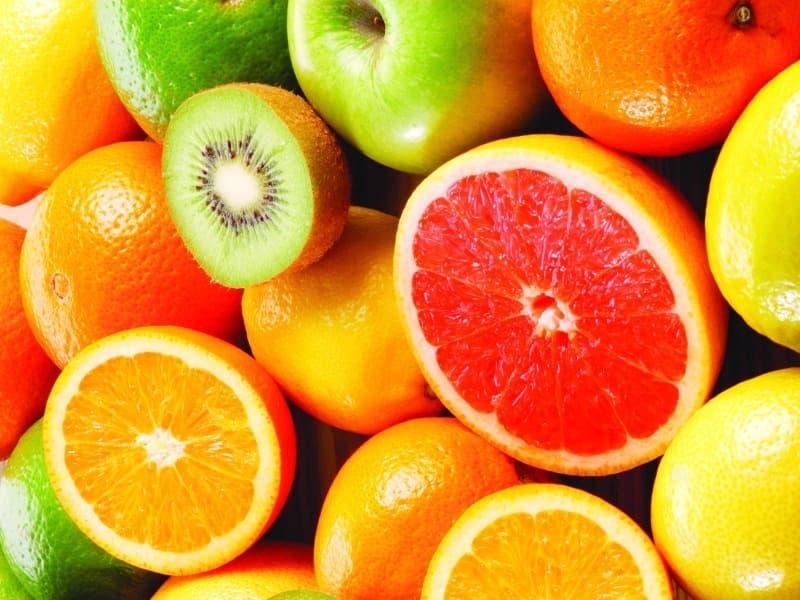 Наука Запитання-цікавинка: Який вітамін у великій кількості міститься в цитрусових?