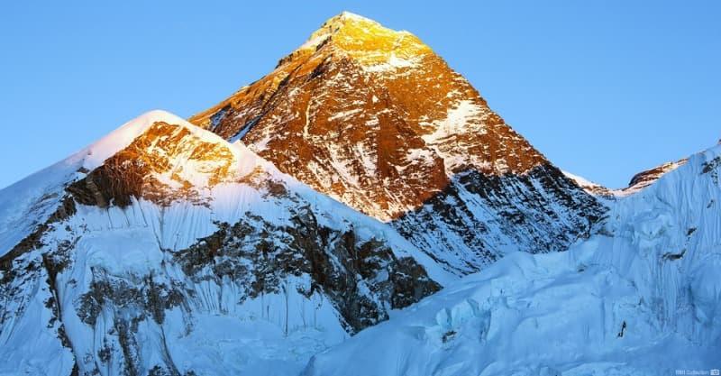 География Вопрос: Сколько лет Эвересту?