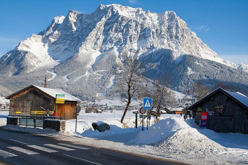 Географія Запитання-цікавинка: Найвища вершина Німеччини - це?