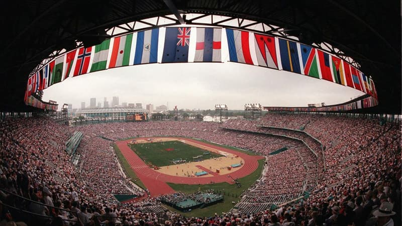Society Trivia Question: A man of what profession found a bomb during the Summer Olympics in 1996?