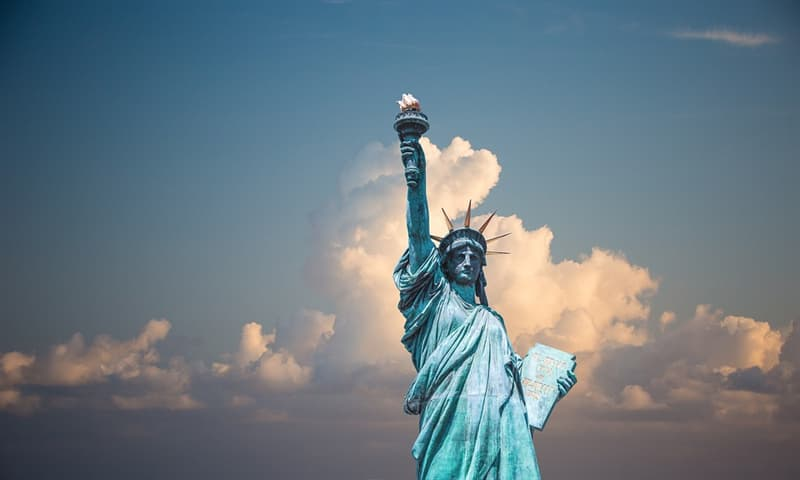 History Trivia Question: How many prominent ladies attended the unveiling of the Statute of Liberty in 1886?