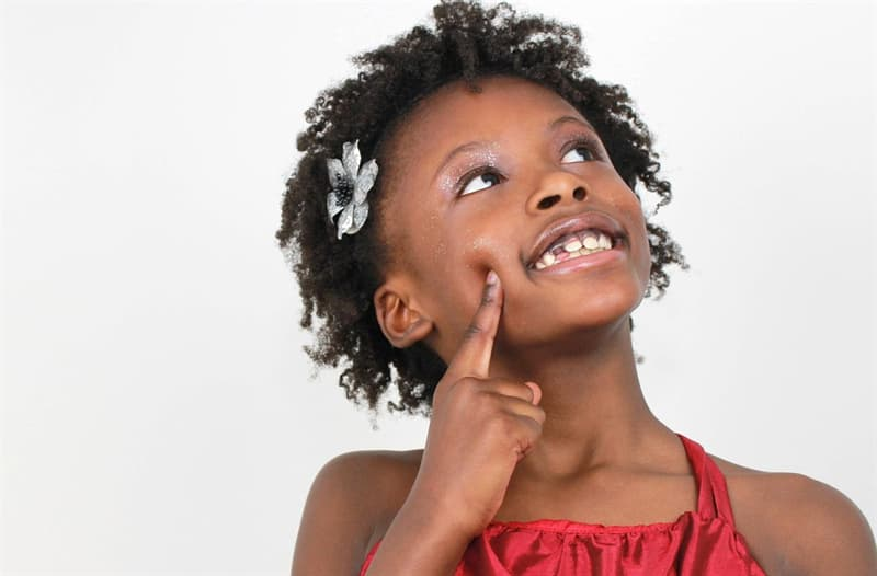 """Gesellschaft Wissensfrage: Wenn jemand als """"taktil"""" beschrieben wird, auf welchen der fünf Sinne bezieht sich es?"""