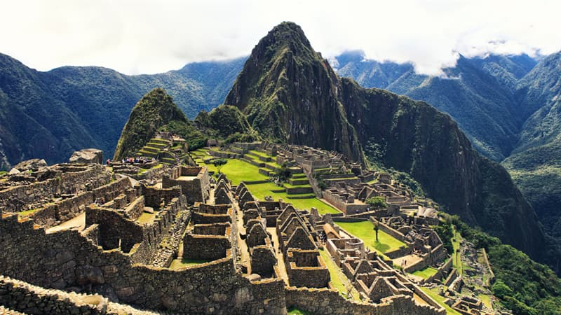History Trivia Question: In what year did the army of Inca Emperor Manco Inca Yupanqui begin a 10-month siege of Cuzco against a garrison of Spanish conquistadors and Indian auxiliaries led by Hernando Pizarro?