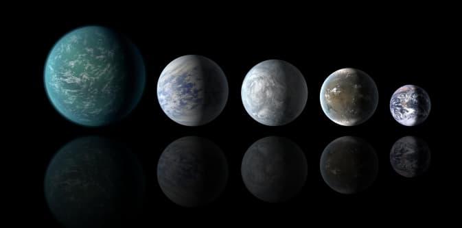 Наука Вопрос: Как установили астрономы, даже карликовые планеты Солнечной системы имеют свои спутники. Каким является общее количество естественных спутников, обнаруженных астрономами у карликовых планет по состоянию на 2015 год?