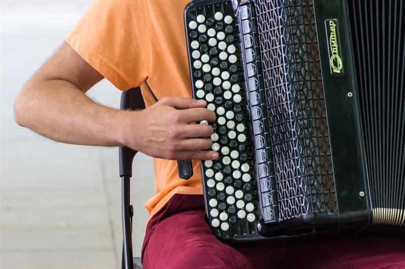 Культура Вопрос: Кто придумал слово аккордеон?
