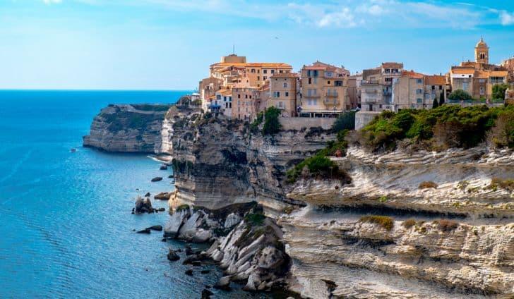 historia Pytanie-Ciekawostka: Na której wyspie urodził się Napoleon?