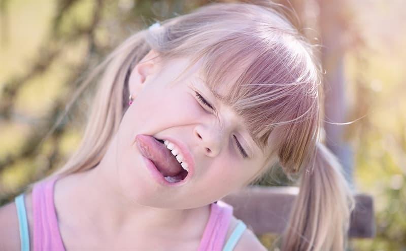 Wissenschaft Wissensfrage: Wie sieht ein Mundspatel aus?